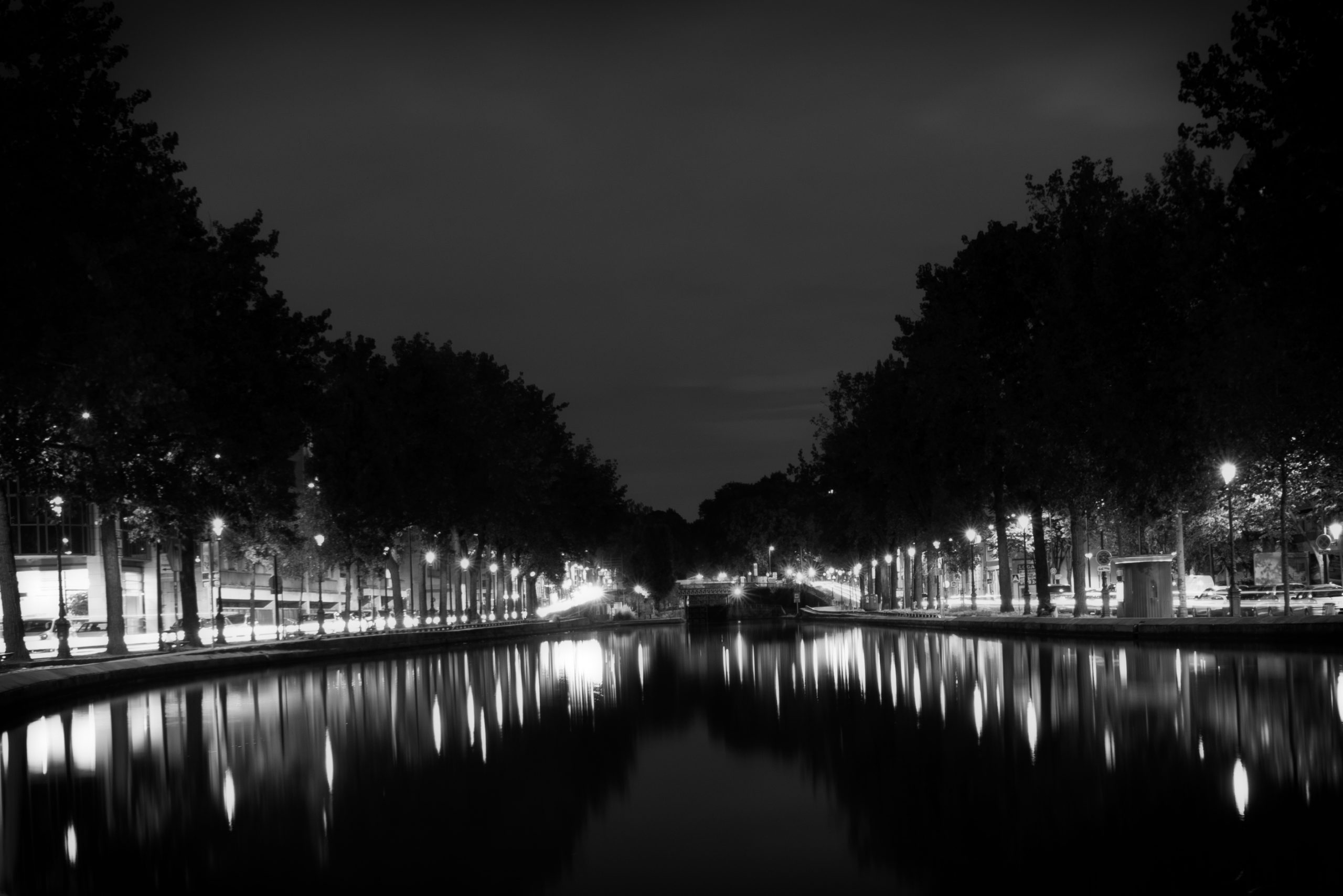 Paris la nuit, quartier du canal Saint Martin – Série N&B